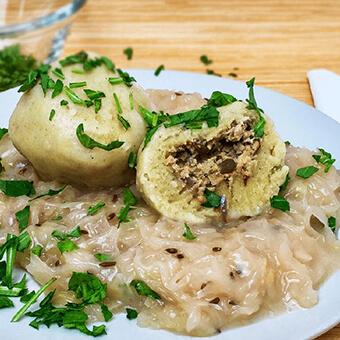 Grammelknödel mit Sauerkraut vegan
